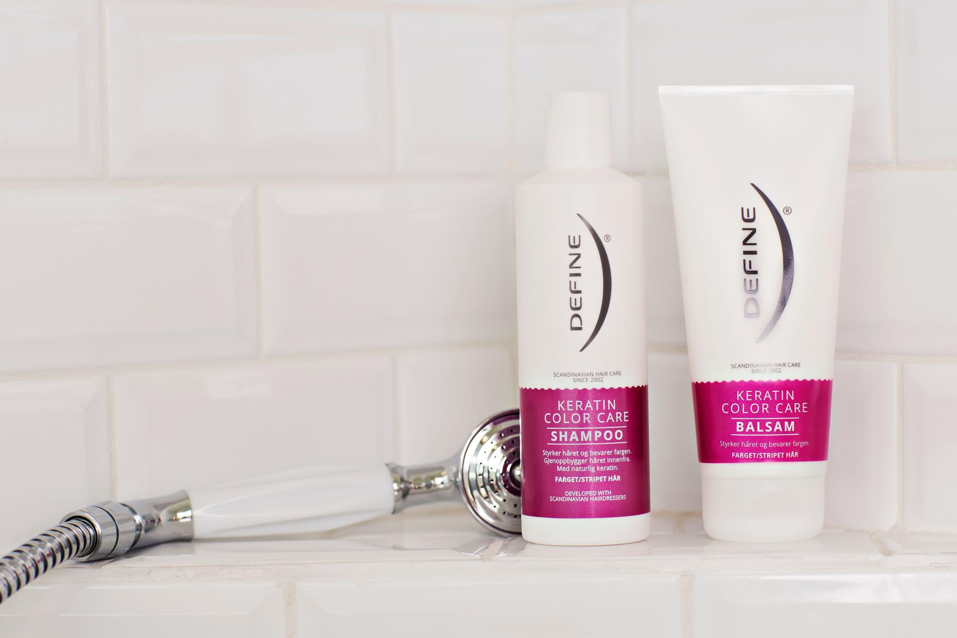 Shampoo og balsam for farget hår. Foto