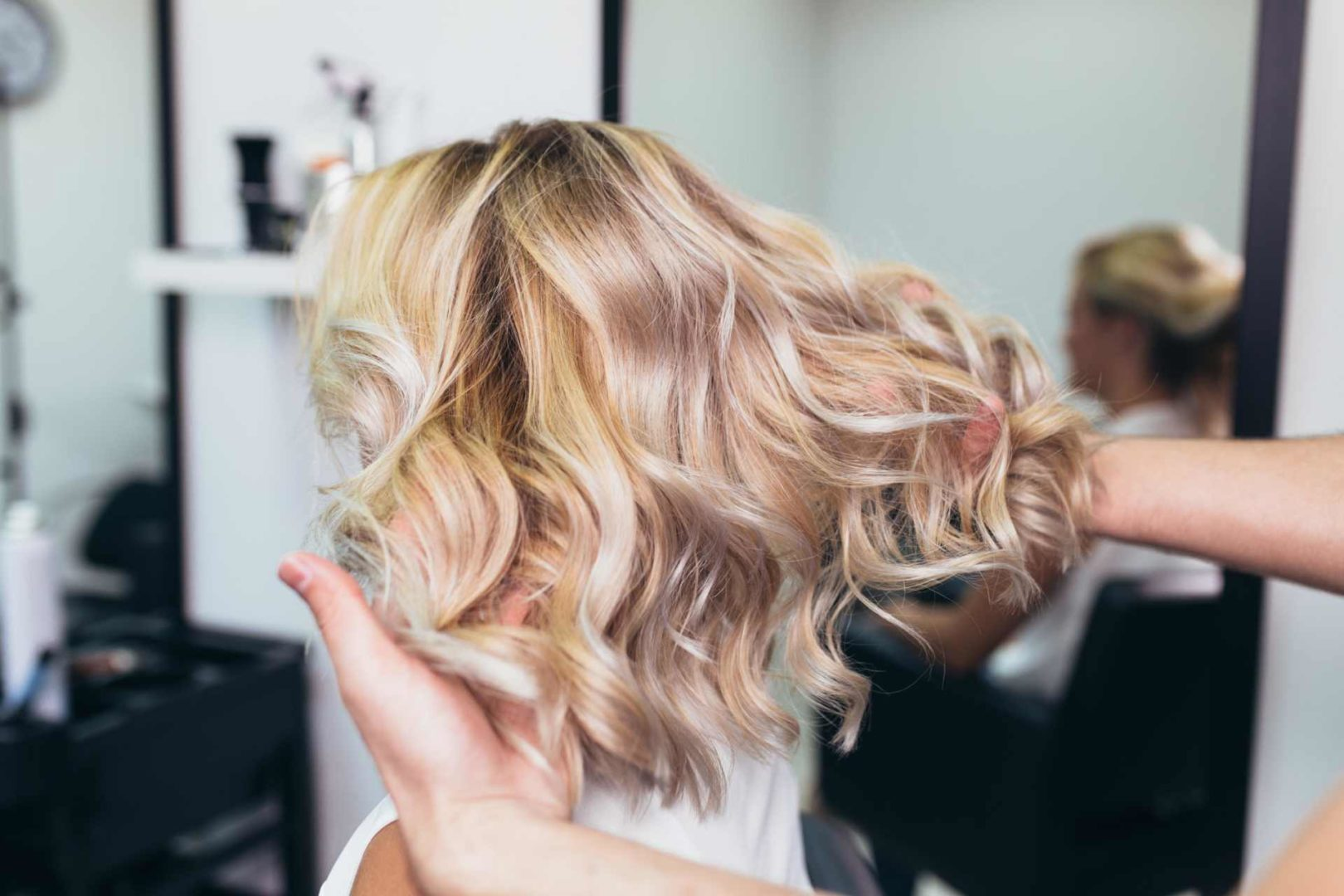 farge eller bleke håret