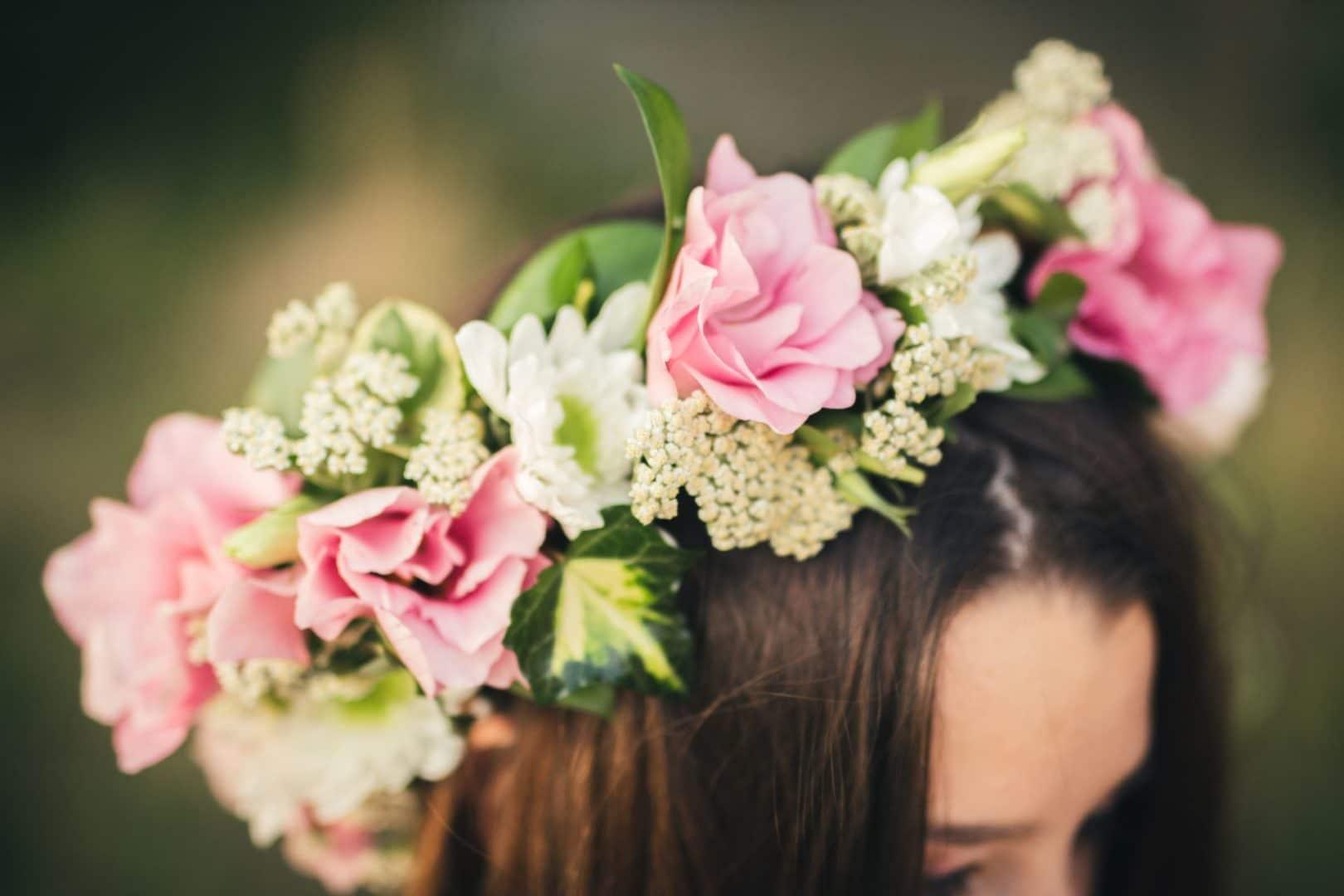 Blomster i håret til 17.mai. Foto